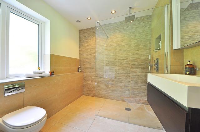 sprchová stěna