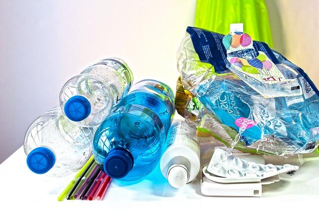 plastové fľaše a obaly.jpg