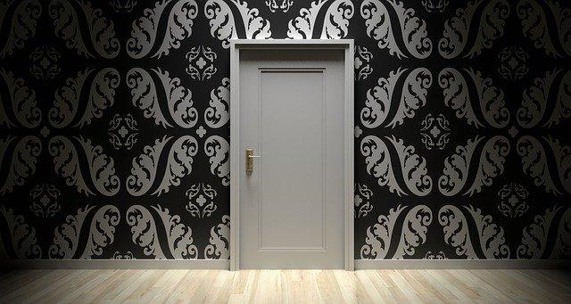 Biele dvere, stena.jpg