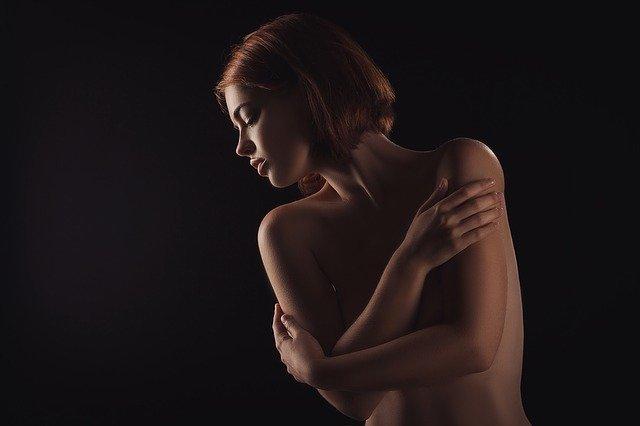 Žena, model