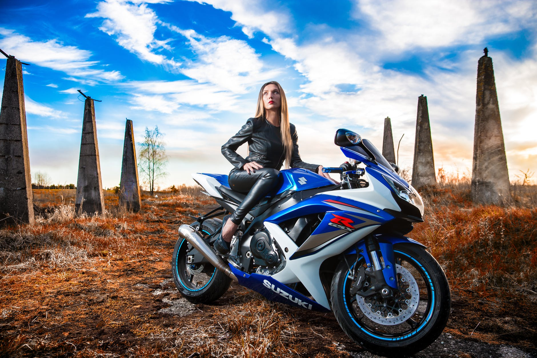 modrá motorka